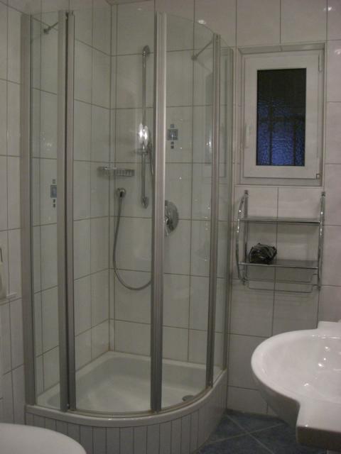das Badezimmer: Der Tag kann hier mit einem Wohlfühlprogramm beginnen