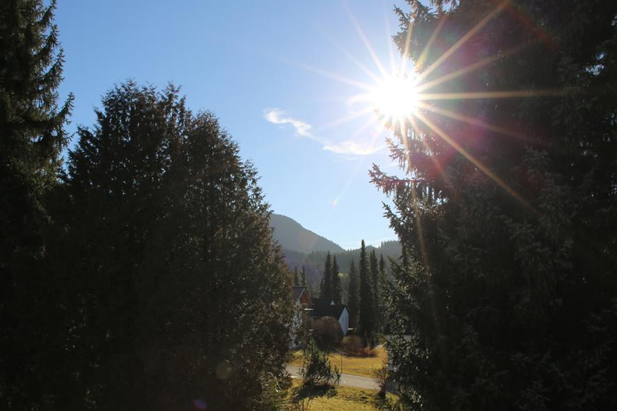 Bergblick:Wunderschöner Blick auf die umliegende Berglandschaft.