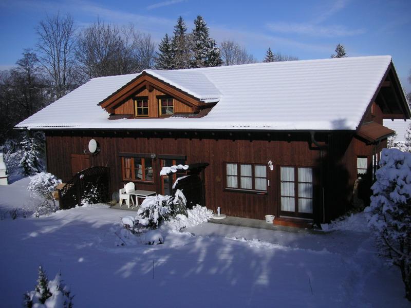 Winterzauber:Hausansicht von Süden