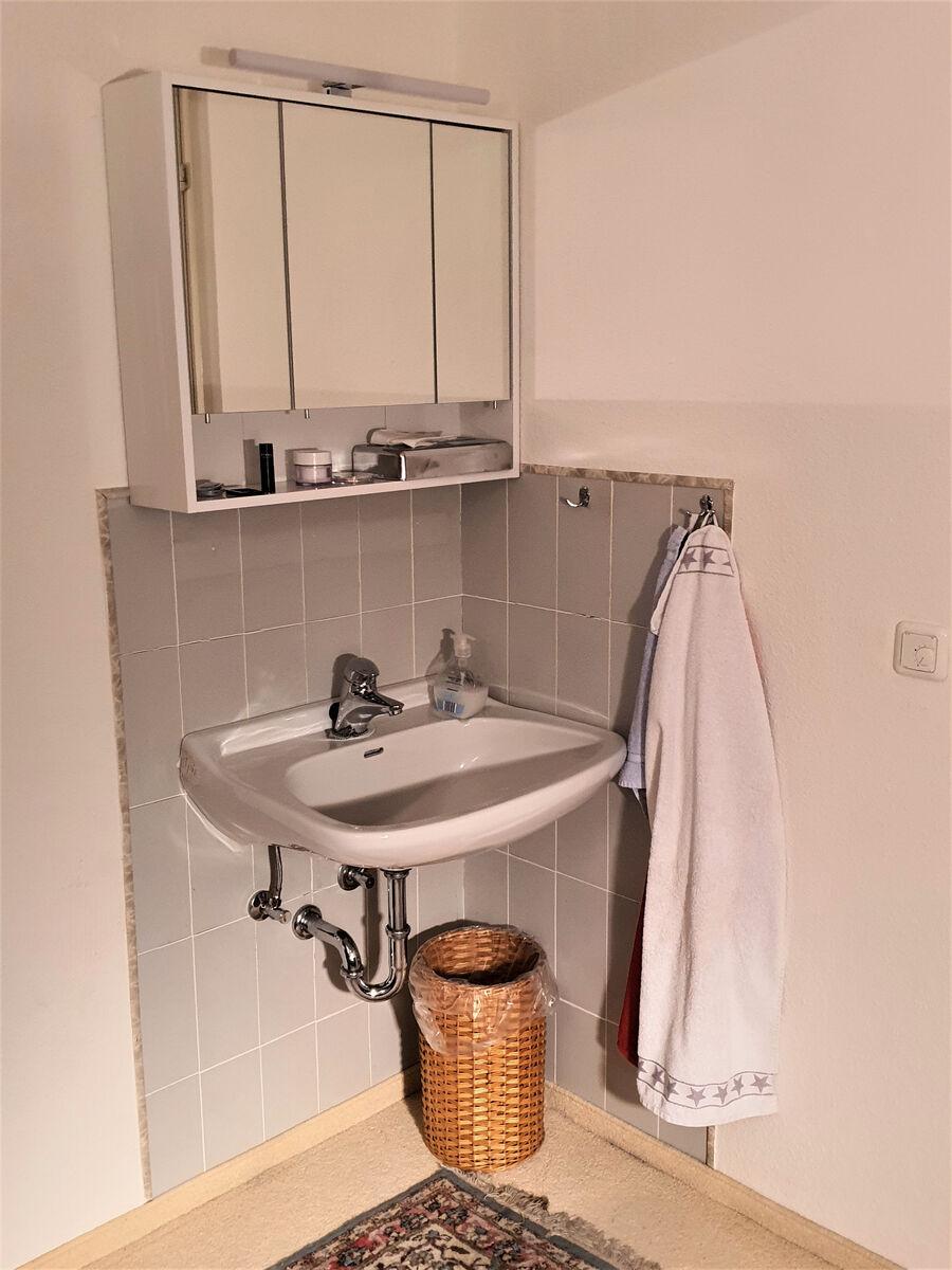 Waschbereich vord. Zim.: