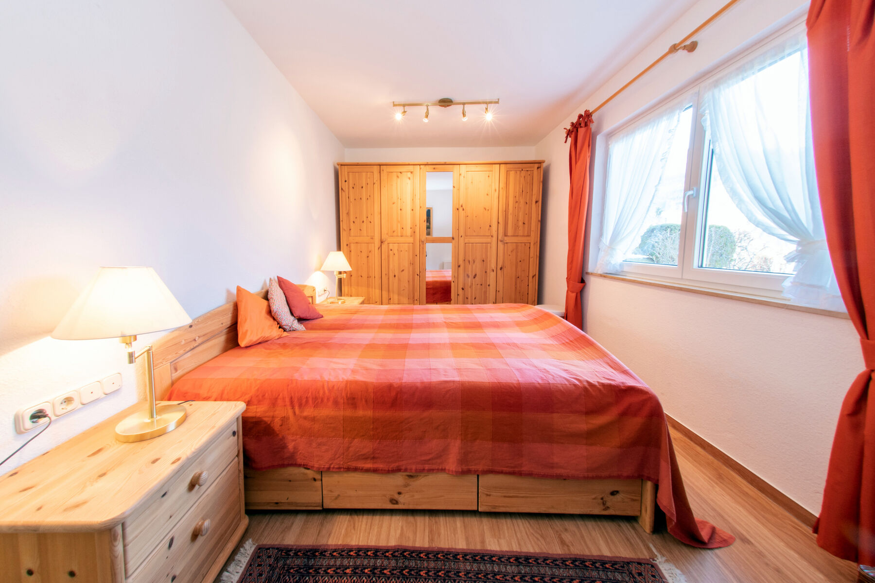 Großes Schlafzimmer: