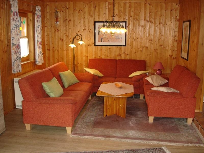 Wohnzimmer:Das Haus ist mit RAUCHMELDERN ausgestattet.