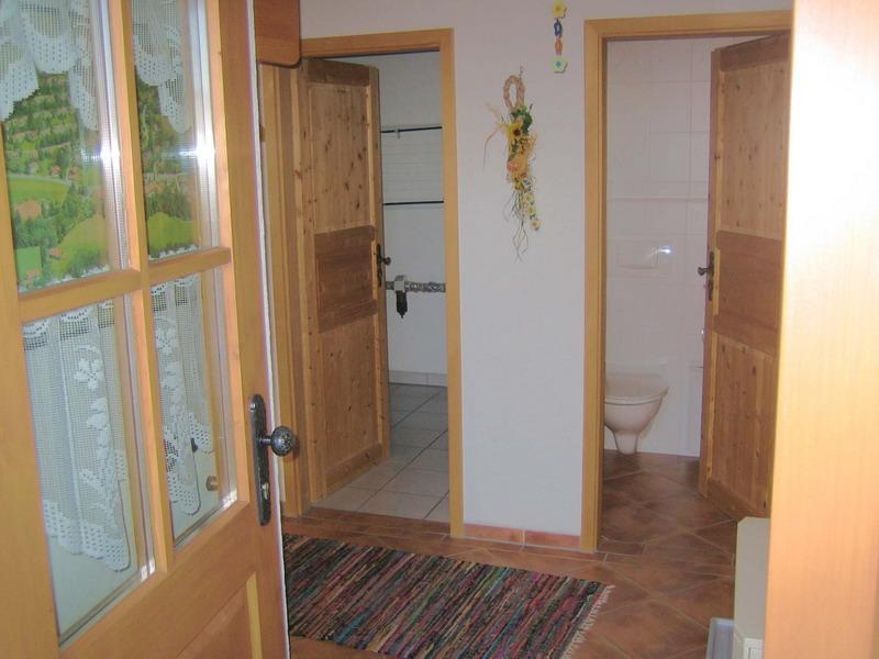 Eingang /  WC:Eingang,WC,Abstellraum mit Waschmaschine