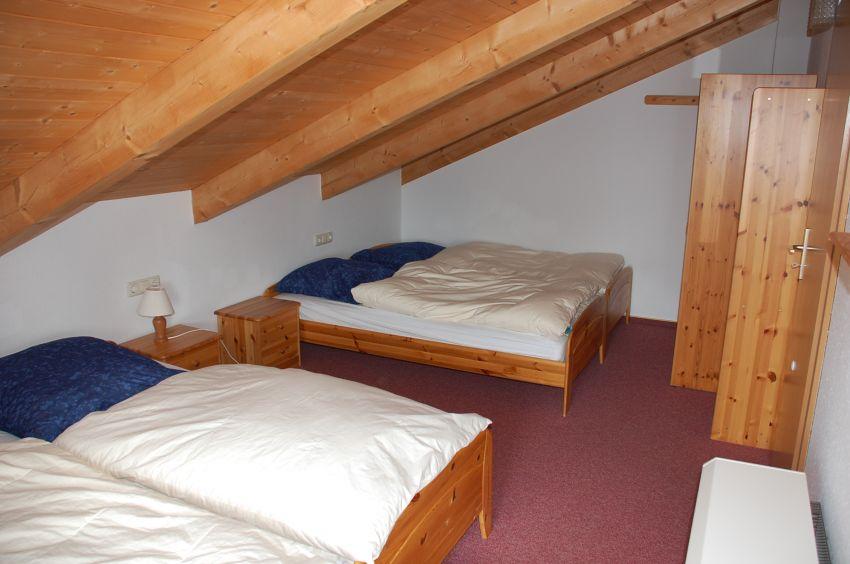 Schlafzimmer / Kinder:Die 4 Betten können einzeln gestellt werden