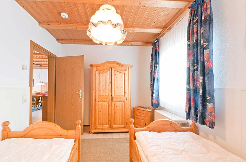 2. Schlafzimmer:Mit Einzelbetten
