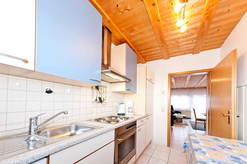 Küche:Blick Richtung Wohnzimmer