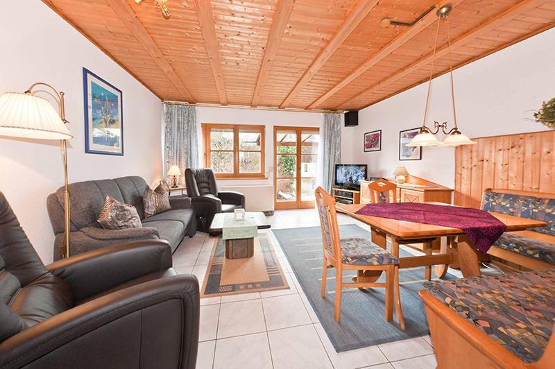 Wohnbereich:Blick Richung Terrasse