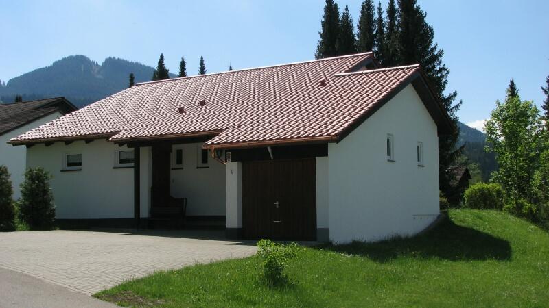 Eingangsbereich:mit Garage und viel Parkmöglichkeit