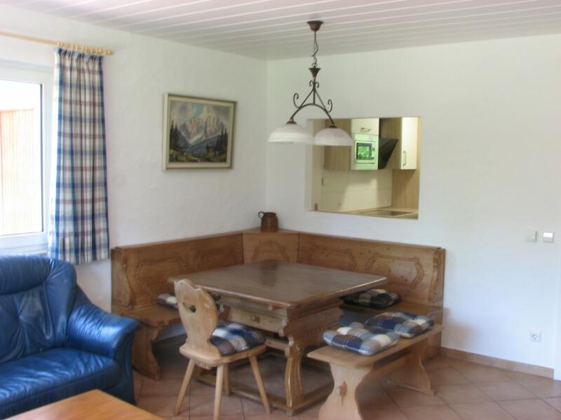 Essecke, Wohnzimmer:Essecke, Platz für max. 8 Personen