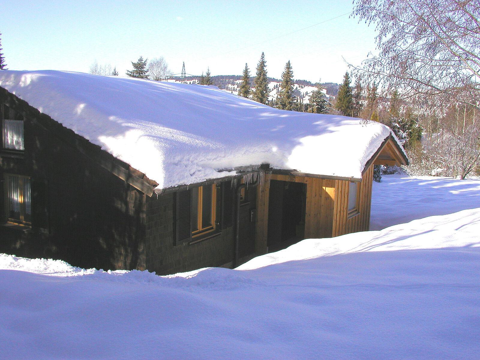 Eingang im Winter: