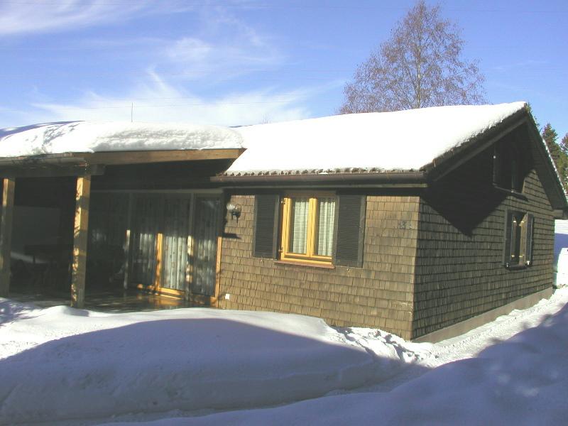 Hauszugang im Winter: