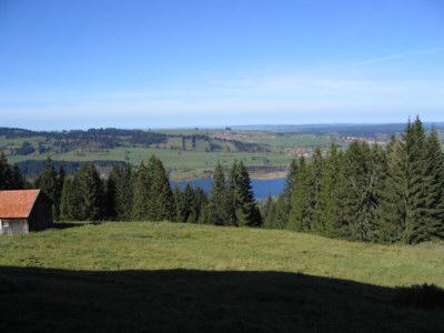 Aussicht Buronhütte:Blick von der Buronhütte (1 h vom Ferienhaus) zum Grüntensee