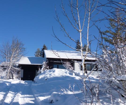 Haus im Winter:Unser Haus ist zu jeder Zeit einen Aufenthalt wert