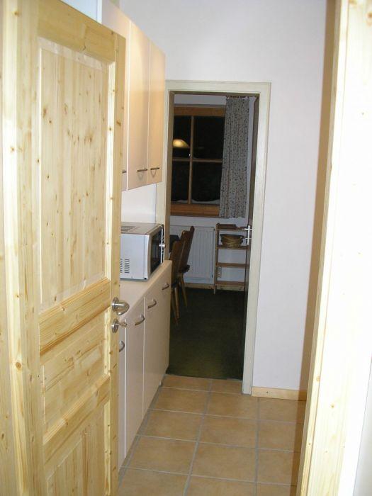 Küche:Blick vom Flur durch die Küche zum Eßzimmer