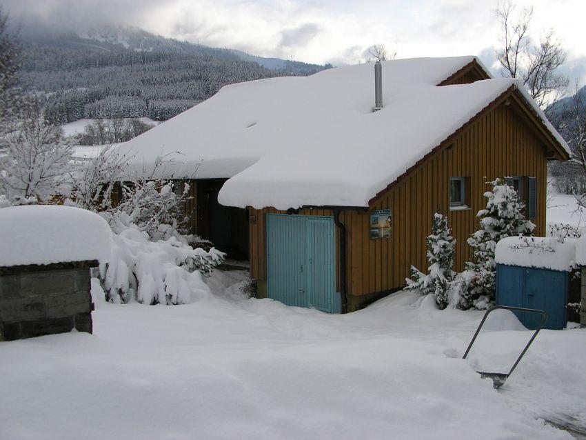 Haus im Winter: