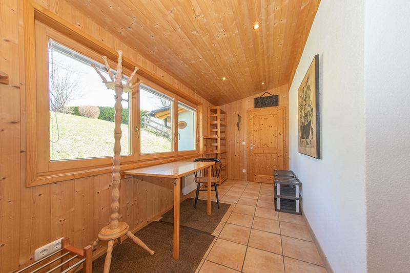 Vorraum:Ebenfalls mit Fußbodenheizung und viel Abstellplatz