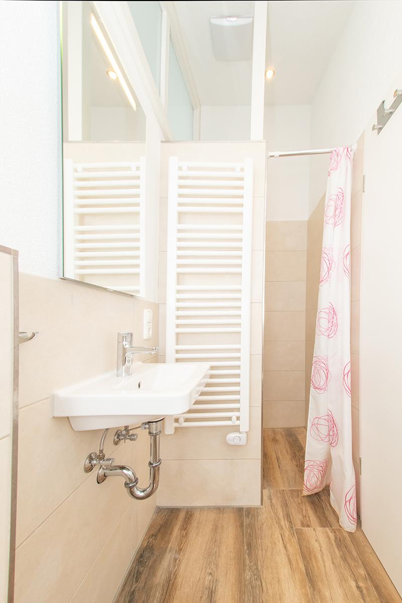 Kleines Bad:Mit Fußbodenheizung