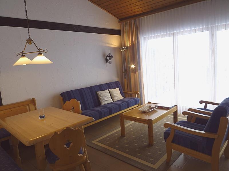 Wohnzimmer, Essecke: