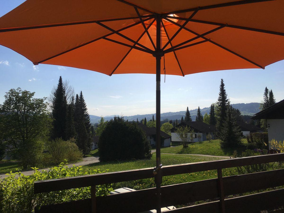 Südbalkon Terrasse:Große Terrasse vor Wohnzimmer