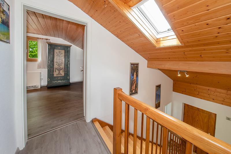 Flur/Treppenhaus Dach: