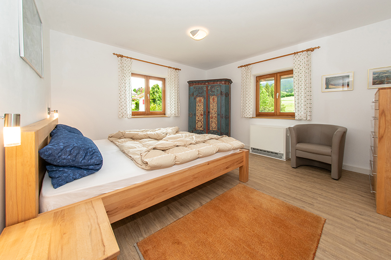 Elternschlafzimmer:Gemütliches Elternschlafzimmer im Erdgeschoß