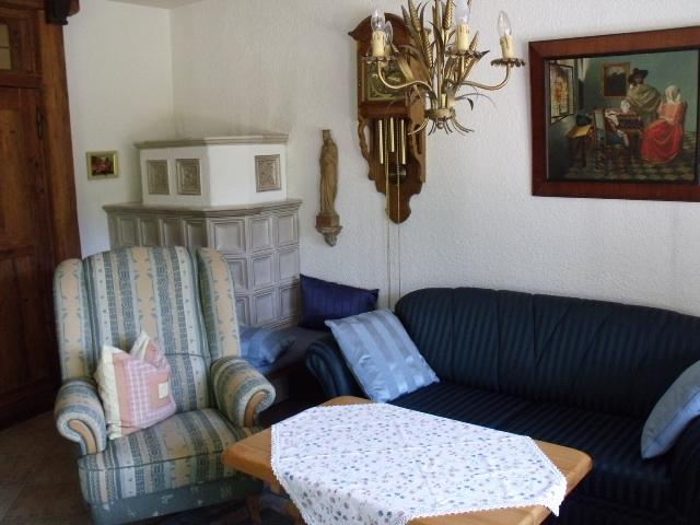 Wohnzimmer:Wohnzimmer mit Kachelofen