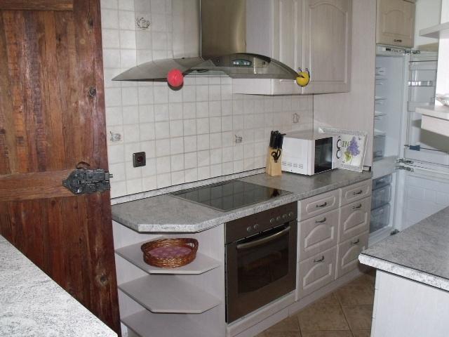 Küche:Küchenzeile mit eHerd ,Spülmaschine ,Kühl-/Gefrierkombination