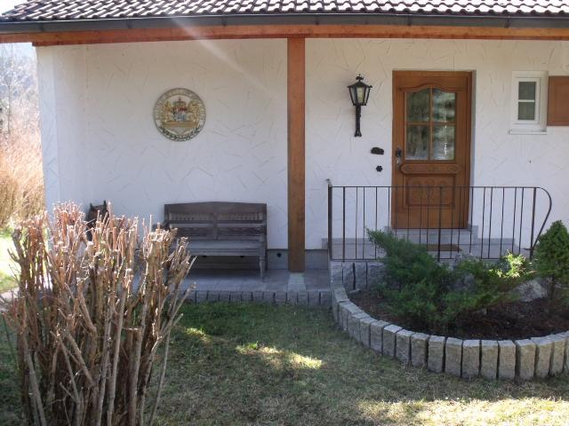 Hauseingang:Willkommen im Rehpfad 3