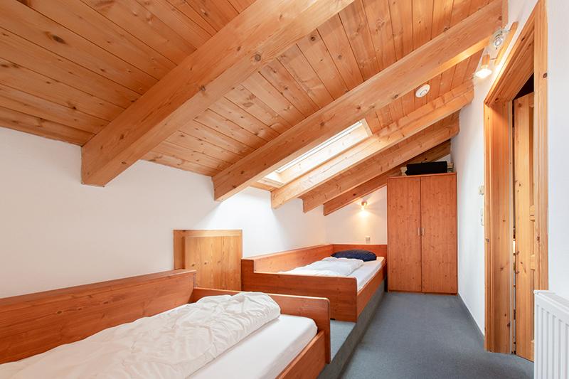 Schlafzimmer 2 DG: