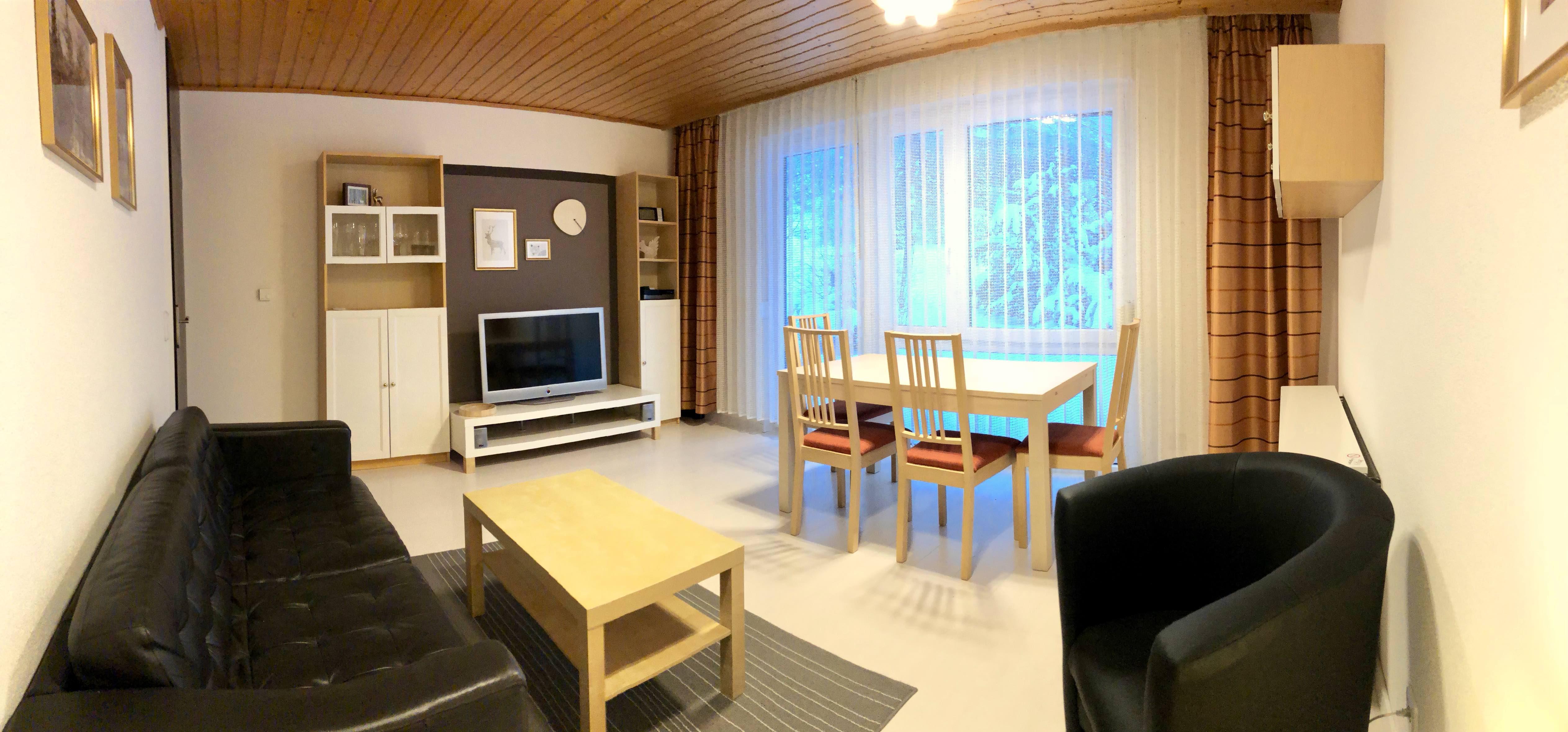 Wohnzimmer:Panoramaansicht des Wohn- und Esszimmer
