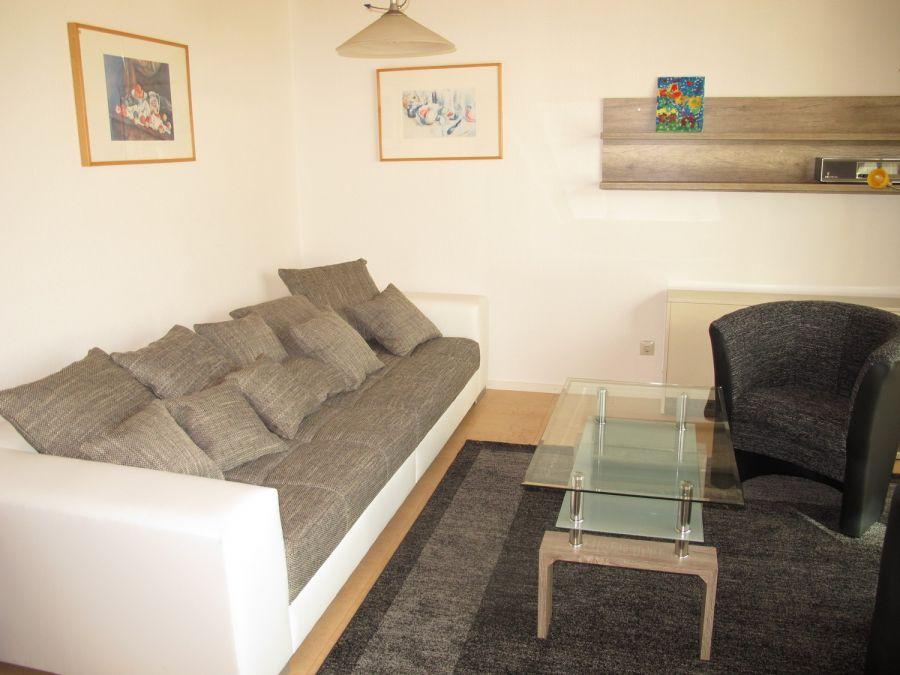 Wohnzimmer:Großzügig mit Wohnlandschaft eingerichtet