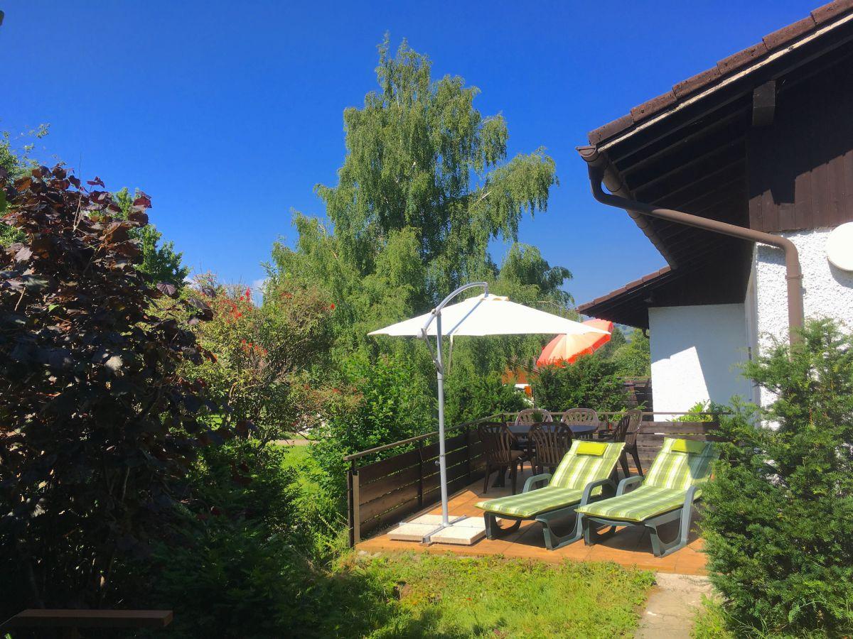 Terrasse:Direkter Zugang von der Sonnenterrasse zum Grillkamin
