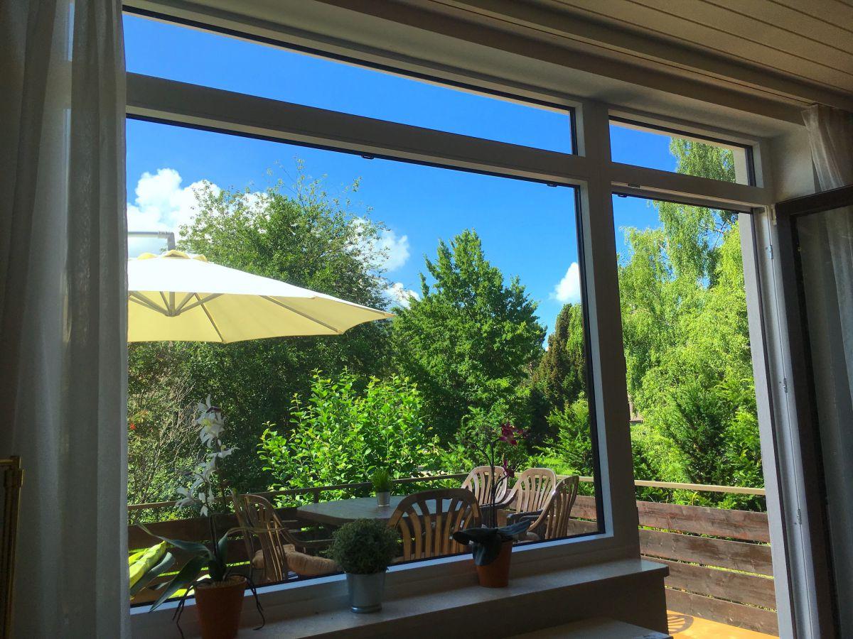 Blick aus Wohnzimmer:Panoramafenster