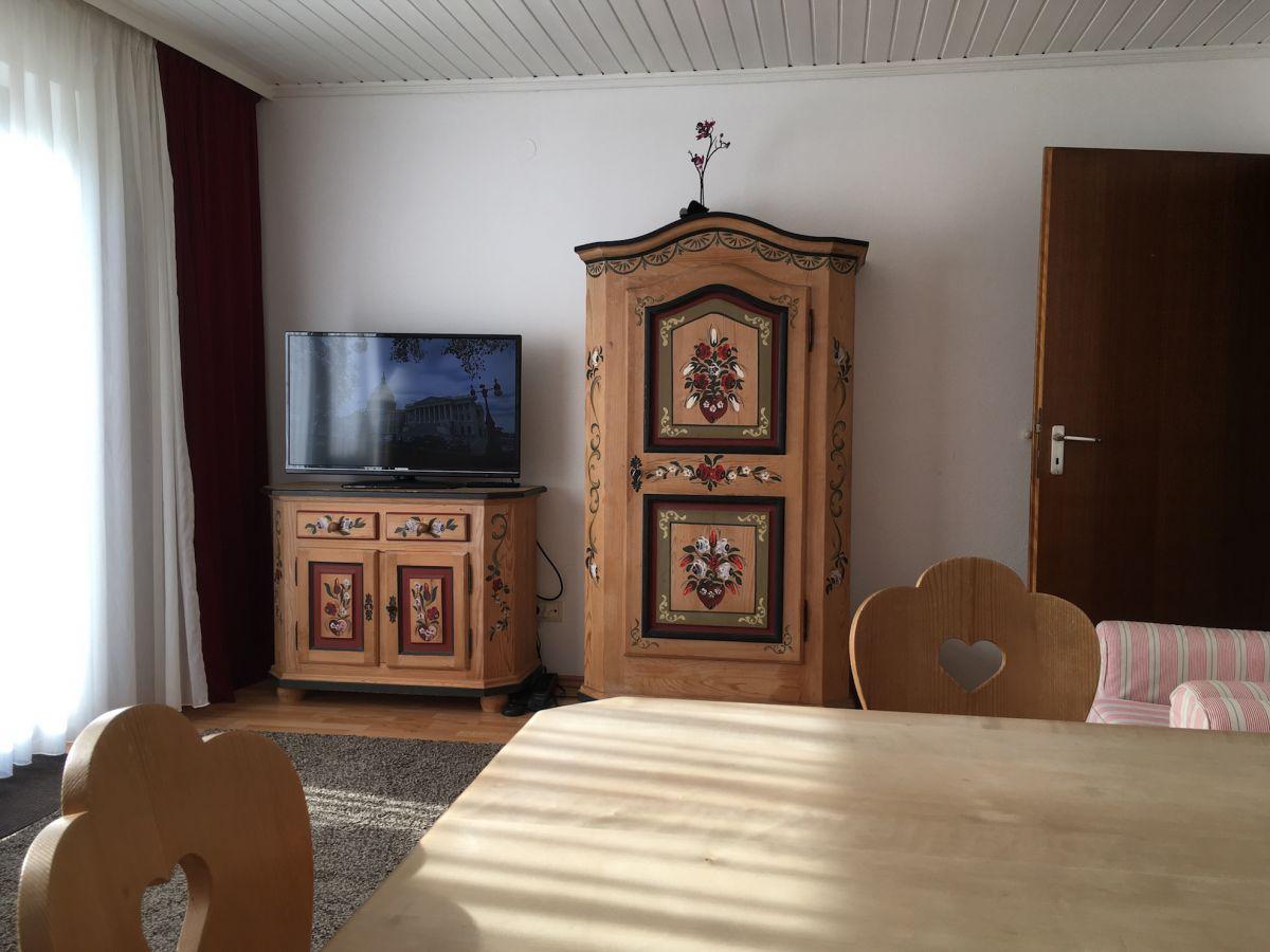 Wohnzimmer mit TV: