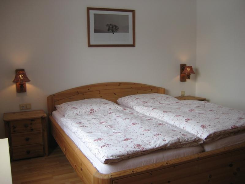 Schlafzimmer 1:Im Landhausstil.