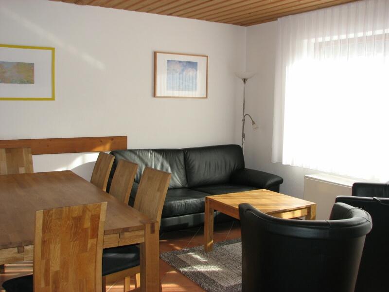 Essen/Relaxen:Sofa mit 2 Cocktailsesseln, fernsehen, spielen, Essecke aus massivem Eichenholz